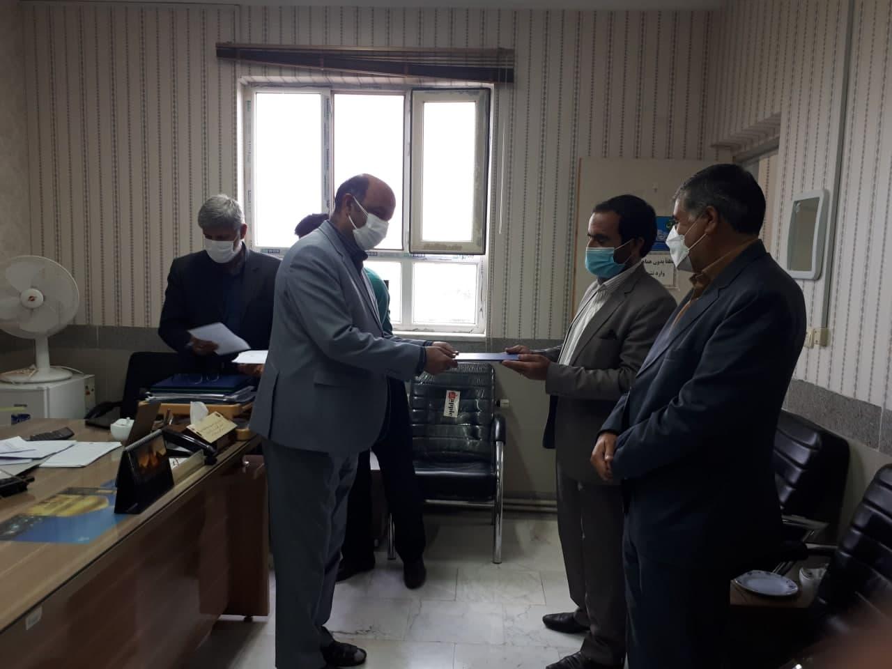 دیدار شهردار و رئیس شورای اسلامی شهر با ریاست آموزش و پرورش شهرستان مه ولات به مناسبت روز معلم